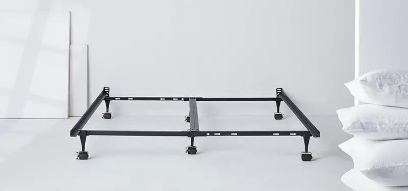 Cadre de lit en métal de DreamCloud